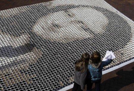 تابلو نقاشی مونالیزا با 3600 فنجان قهوه